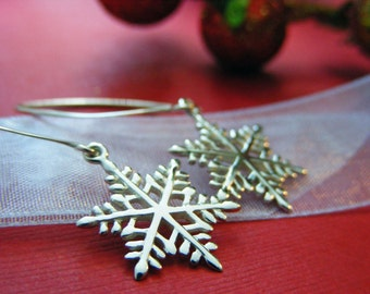 Silver Snowflake Earrings, Silver Dangle Earrings, Snowflake Jewelry, Silver Earrings, Holiday Jewelry, Dangle Earrings, Stocking Stuffer