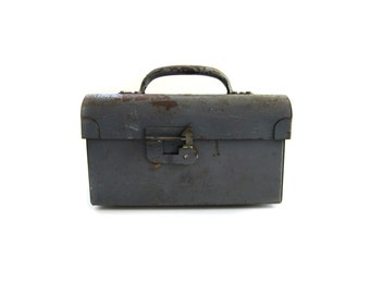 Vintage Small Steel Tool Box Large Metal Lunch Box w Handle