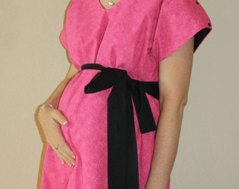 Mila Maternity Hospital Gown in Hot Pink Heart Swirls  -  Lined or Unlined - Add a Robe for your Hospital Bag - by Mommy Moxie on Etsy