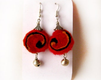 "A felt earrings ""Spiral"""