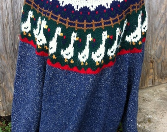 Vintage Novelty Hand Knitted GOOSE Sweater