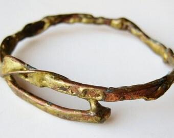 Vintage 50s 60s Mid Century Modernist Abstract Organic Brass Bangle Bracelet