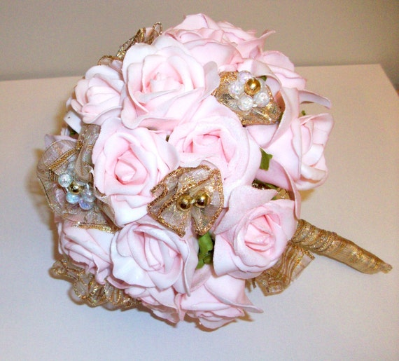 Wedding Flowers Pink And Gold : Wedding flower bouquet pink and gold
