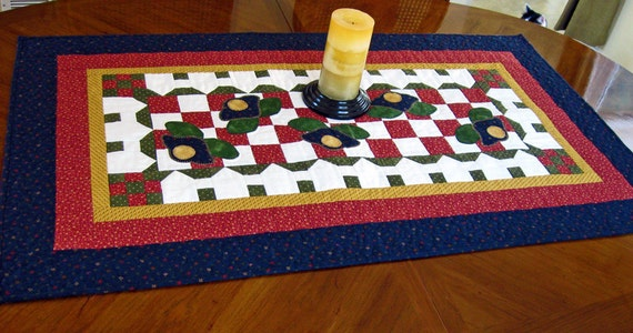 Garden Floral Farm House Applique Table Runner in Navy, Red and Green