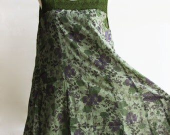 D25, Queen Elizabeth Garden Cute Floral Green Cotton Dress