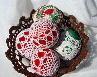 Christmas satin thread crochet ball ornament