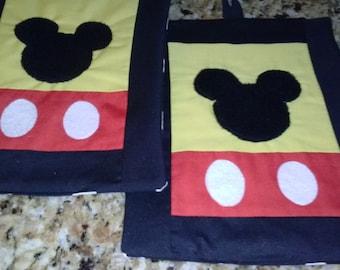 SALE ! Mickey Mouse Kitchen Pot Holder Set