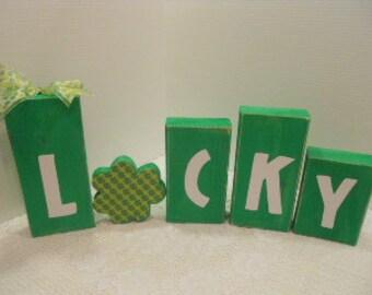 St Patricks Day Word Blocks Lucky 2x4