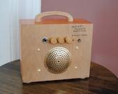 "Guitar Cigar Box Amplifier / MP3 Speaker ""Blondie"""