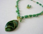 Emerald Green Statement Necklace, Jade Necklace, Chunky Agate Pendant, Semiprecious Stone Artisan Necklace