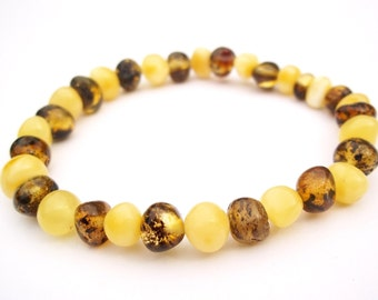 BALTIC  AMBER  BRACELET  7.1 inches.  Green and White color.