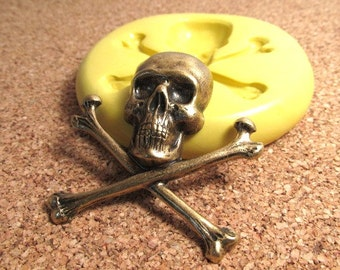 Skull and Crossbones (large) - Flexible Mold/Mould - Push Mold, Polymer Clay Mold, Resin Mold, Pmc Mold, Clay Mold