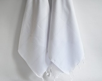 SALE 50 OFF/ SET 2 Towels / Head and Hand Towel / Classic Style / White