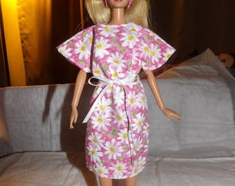 Pink & white daisy floral print bat wing dress for Fashion Doll - ed579