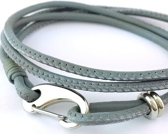"""MCBC010604) 2.5mm Genuine Nappa Leather with Stainless Steel Shrimp Clasp Bracelet (19cm / 7 1/2"""")"""