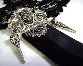 Ribbon bird skull brooch gothic jewelry silver black Victorian style