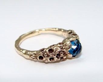 9ct Gold Sirene Ring, with 6mm Rose cut London Blue Topaz Size N