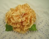 Peachy Gold Peony Ribbon Flower Pin Brooch – Vintage Style Ribbon Flower – Wedding Prom Every Day