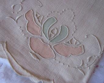 Vintage Madeira Linen Guest Hand Fingertip Towel Embroidered Design Seafoam Green Peach Applique Cutout M36