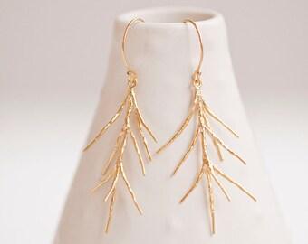 Branch Twig Earrings Gold