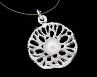 1 of 925 Sterling Silver Lotut Leaf Pendant with Pearl  :th1924
