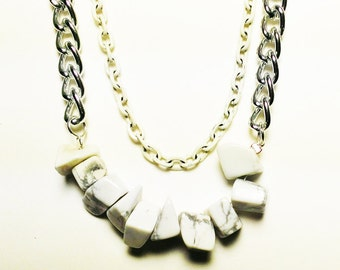 Multilayer silver and white chain necklace with howlite
