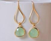 Mint Drop Earrings.  Mint Teardrop Drop Earrings in Gold.  Gift for Her.  Dangle Earrings. Modern Drop Earrings. Christmas Gift.