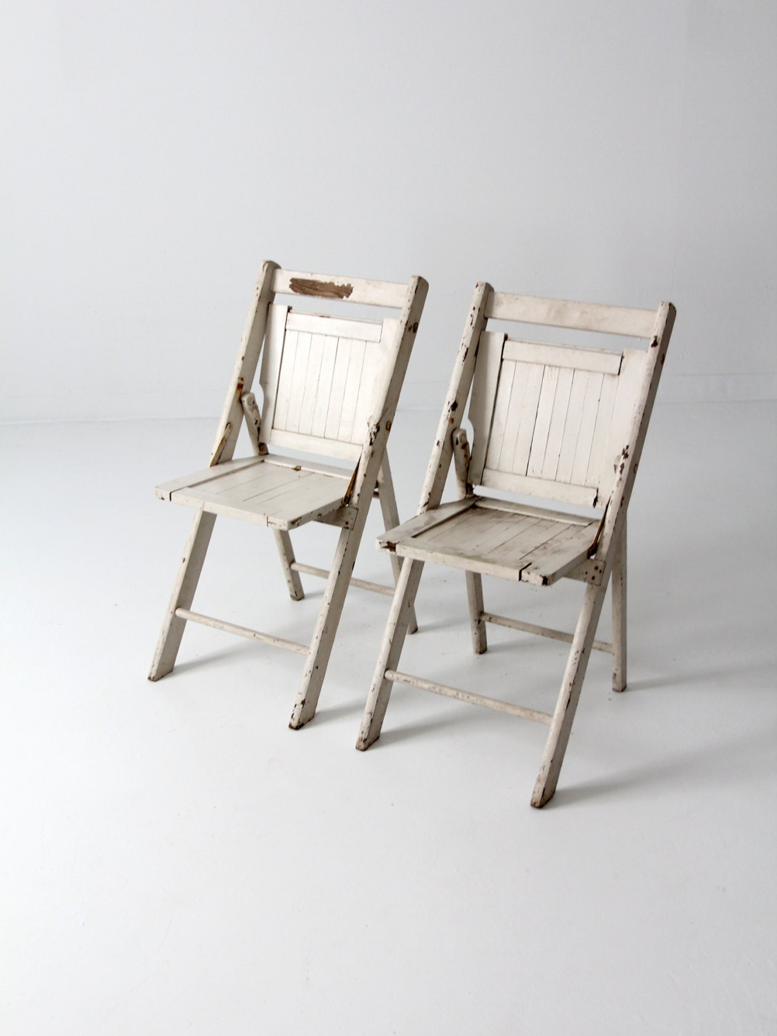 vintage wood folding chairs pair white slat chairs. Black Bedroom Furniture Sets. Home Design Ideas