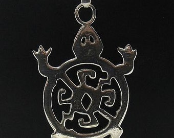 PE000550  Sterling silver pendant  charm turtle   925 solid
