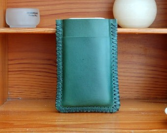 leather iPhone 7 case iPhone 7 sleeve iPhone 6 case iPhone 7 Plus case iPhone 7 cover iPhone 6 cover iPhone 6 sleeve - Green leather sleeve