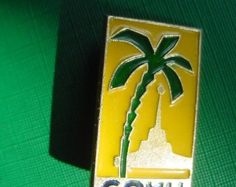 Sochi - Vintage Rare Pin From Spa Town - USSR CCCP Soviet Union Russian Pin Badge Sochi