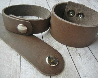 """3/4"""" Leather Bracelet Cuff - 3/4 Inch Wide Genuine Leather Cuff Bracelet in DISTRESSED BROWN - Cuff Wristband - ONE Cuff"""