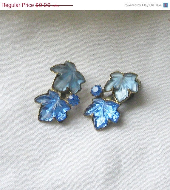 25% OFF SALE Vintage blue lucite leaf clip on earrings