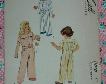 Vintage Pattern c.1946 McCall No.6707 Childs Pajamas, Size 6