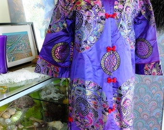 Vintage Chinese Embroidered robe 1920s look fabulous flapper lingerie jacket coat