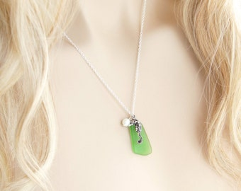 Seaglass Necklace Seahorse Necklace Sea Glass Pendant Sea Glass Jewelry Beach Glass Necklace Beach Glass Jewelry Seahorse Jewelry Gift