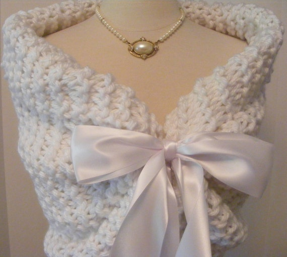 Wedding Shawl/Wedding Cape/Bridal Bolero/White Shawl/Bridal Shawl/Spring Wedding/Wedding Wrap/Summer Wedding/White Wedding/Bridal Cover Up