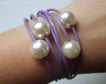 Leather bracelet, violet bracelet, leather cuff, pearl cuff, pearls bracelet, pearls cuff, lilac leather cuff, violet leather cuff