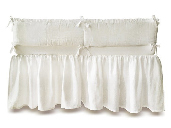 Custom color linen Crib bumper with natural COTTON pad by Lovely Home Idea