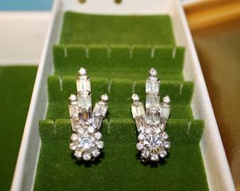 1950's Rhinestone Clip on Earrings