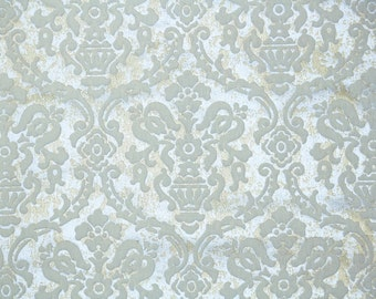 Retro Flock Wallpaper by the Yard 70s Vintage Flock Wallpaper - 1970s White Flock Damask on Silver and Gold Marble