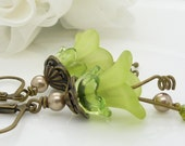 Lime green earrings, kiwi green lucite flower earrings, lily flower earrings, beaded jewelry