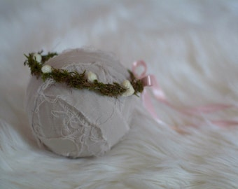Newborn Hand Crafted Woodlands Halo with Pink Satin Ribbon - Newborn Photography Prop, Girl, Baby, Crown, Halo, Woodlands, Green, Pink,