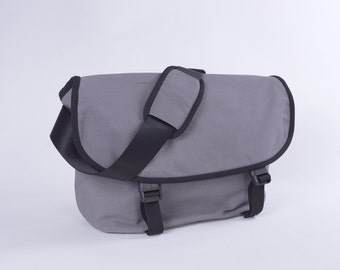 """CLEARANCE SALE / Messenger No. 1 / Medium / Ready to ship / Dark Grey / Lined with Beige / Computer Compartment Fit up to 13"""" MBP"""