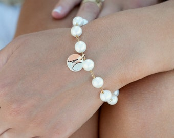 Freshwater Pearl Bracelet with Initial Charm, Personalized Bridesmaid gift, Bridal jewelry, Pearl wedding jewelry, otis b
