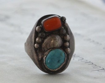 Vintage Navajo Turquoise and Coral Ring - Size 13