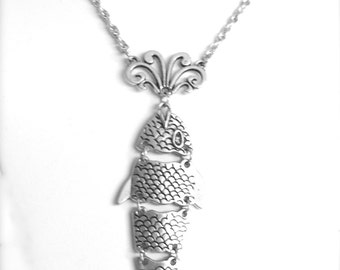 Retro Articulated Fish Pendant Necklace