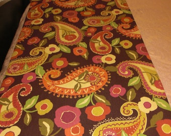 Queen Size Pink Paisley Bed Scarf