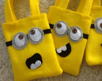 HAPPY MINNIONS PARTY/Felt party bags/Set of 10 party favor/ minnions supplies