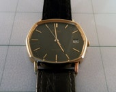 Vintage 1970's Pulsar 5 Jewel Quartz Watch,   Model Y552-5029 Japan Mvt. Black Retro Dial, Date Window, Leather Band. Running Condition.